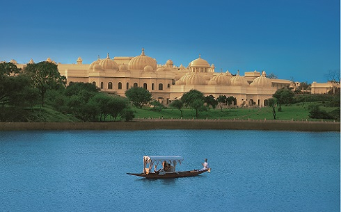 001-The Oberoi Udaivilas - Boatride on lake Pichola-2