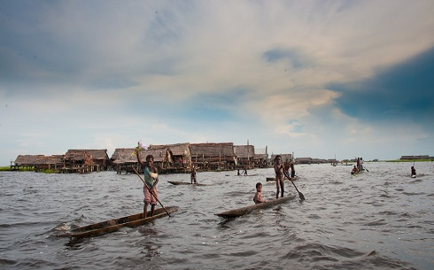 lake-houses-sepik