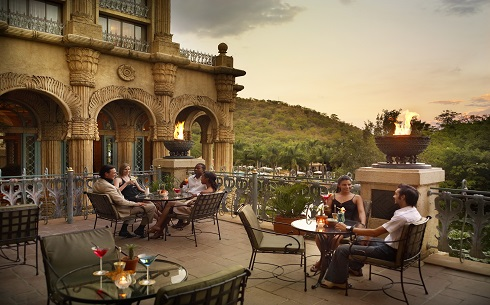 SCR1e6050-0943-Sun City-The Palace-Tusk Bar