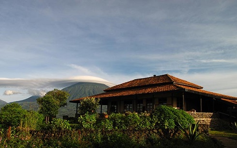 Virunga_main-lodge-exterior-1